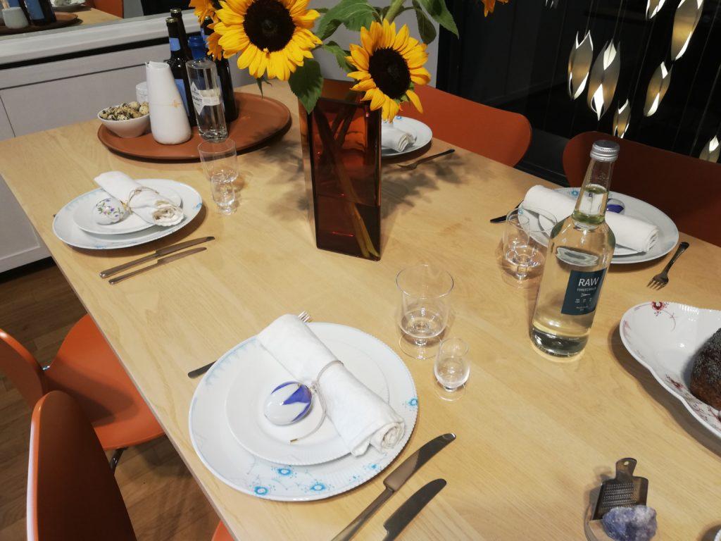 サンフラワーのテーブル